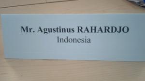 Nama resmi peserta. Delegasi yang kedinginan.