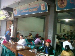 Kedai kopi legendaris Solong,Ulee Karang. Bergeser dari fungsi sosial.