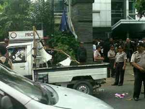 Mobil komando aksi dirusak. Tak hormati kebebasan berekspresi.