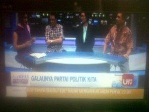Ratna Dumila, J Kristiadi, Siti Zuhro, dan Subhan SD. 10 bulan pemilu, parpol makin galau.