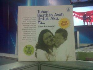 Sampul buku terbitan Kanisius 2010. Anak membuat semangat hidup jadi lebih hidup.