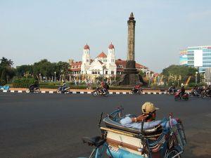 Tugu Muda, ikon Semarang. Didirikan untuk menghormati 'Pertempuran 5 Hari'.