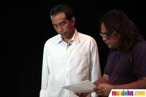 Jokowi berlatih menghapal naskah. Pesannya to the point. Foto dari Merdeka.com