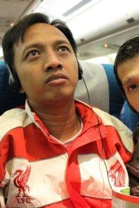 Di dalam pesawat yang menerbangkan dari Kuala Lumpur ke Schiphol, Amsterdam