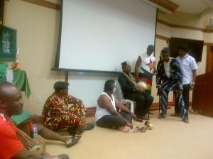 Drama menyentuh dari kawan-kawan Afrika. Kreatif dalam berseni.