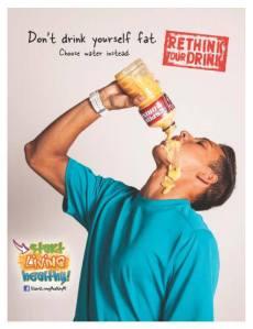 Jauhi soda, ganti air putih. Hindari kegemukan akibat minuman.