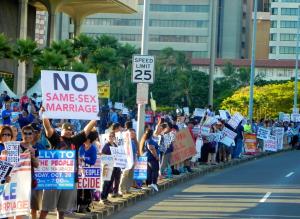 Ketika penduduk Hawaii memprotes pengesahan pernikahan sejenis. Kebijakan kontroversi. (Sumber: Hawaiifreepress.com)
