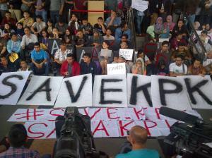 Gerakan publik mendukung dan menduduki KPK. Sejarah berulang.