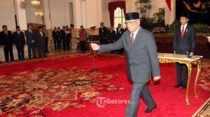 "Ruki usai dilantik Presiden Jokowi. ""I am Back"". Foto: Tribunnews"