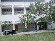 Rumah Sakit Zainoel Abidin di Lampriet, Banda Aceh. Pusat pertolongan korban gempa dan tsunami.