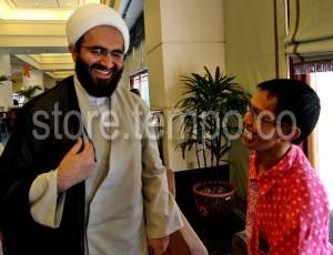 Faisal bersama Wapres Iran Hojatul Islam Hajali Akbari. Sumber eksklusif. (Foto: Tem[po)