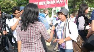Wawancara narasumber aktivis buruh. Awas jangan salah nama dan atribusi.