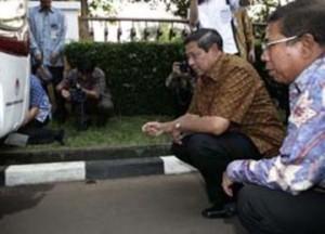 SBY dan Sudi Silalahi.  Sahabat sejak belum jadi presiden. (Foto: Republika)