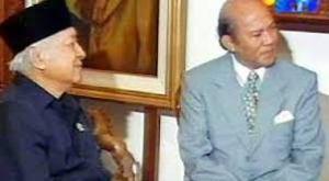 Mendiang Widodo Sutiyo. Penerjemah legendaris Istana Kepresidenan era Soeharto.