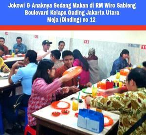 Jokowi makan siang dengan santai bersama Kaesang. Sebagai ayah dan warga biasa.