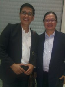 Mayong Laksono dan Ignatius Haryanto. Satu terpilih.